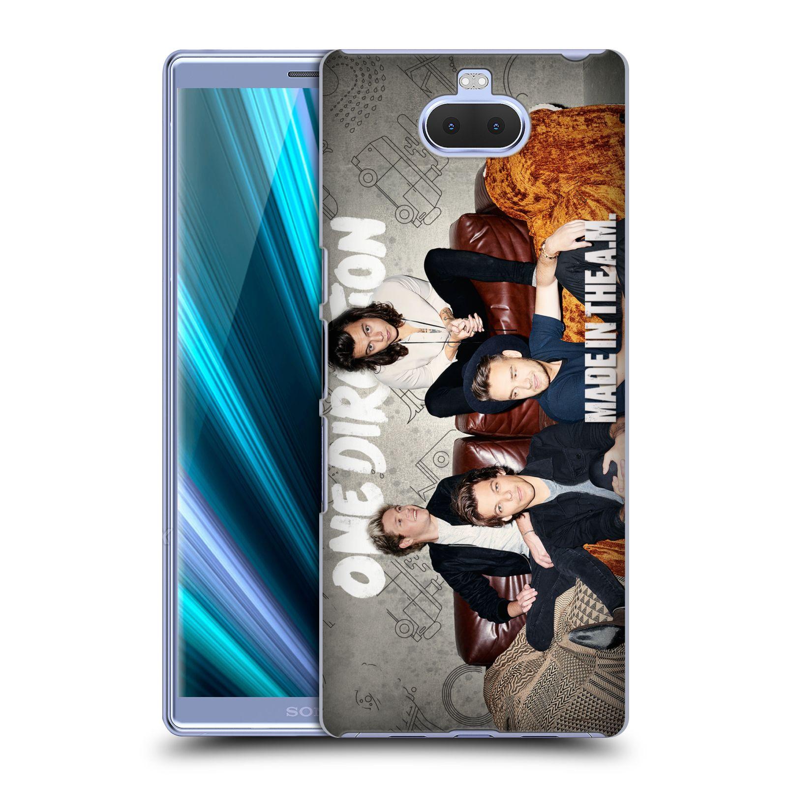 Pouzdro na mobil Sony Xperia 10 - Head Case - chlapecká skupina One Direction gauč